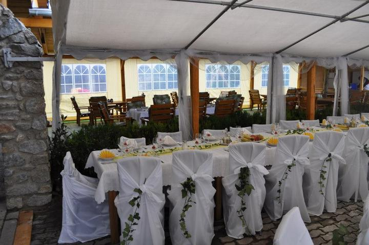 Svatební potahy na židle-zapůjčení,prodej i šití na míru - Obrázek č. 91