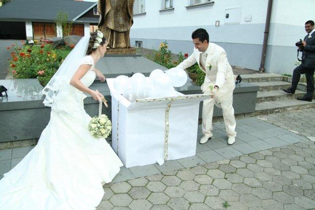 19.09.2009 sa blíži...Zuzka a Peťko - Kto nám urobí takéto prekvapenie?:-)