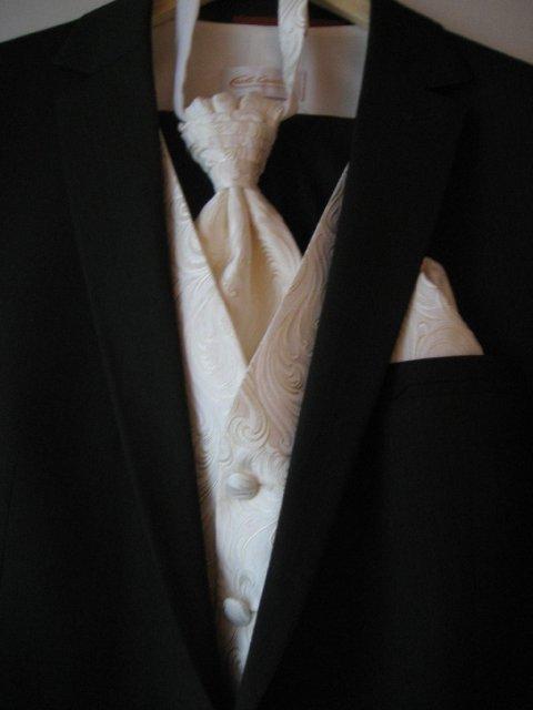Eva a Axel Voigt - draheho oblek zo vsetkym, co k tomu patri