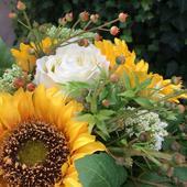 Kytica z hodvábnych kvetov slnečnice,