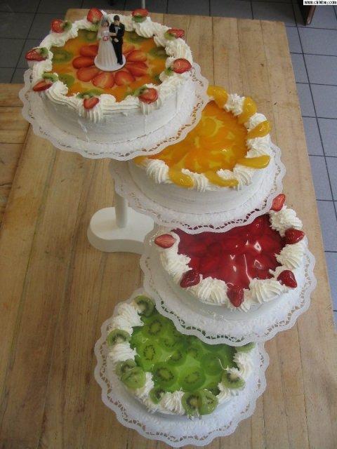 Renča a Víťa - Ze by naky ten ovocny dortik.