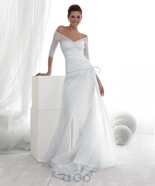 Svatební šaty - těžké si vybrat ty nejhezčí - Obrázek č. 10