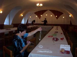 Příprava sálu