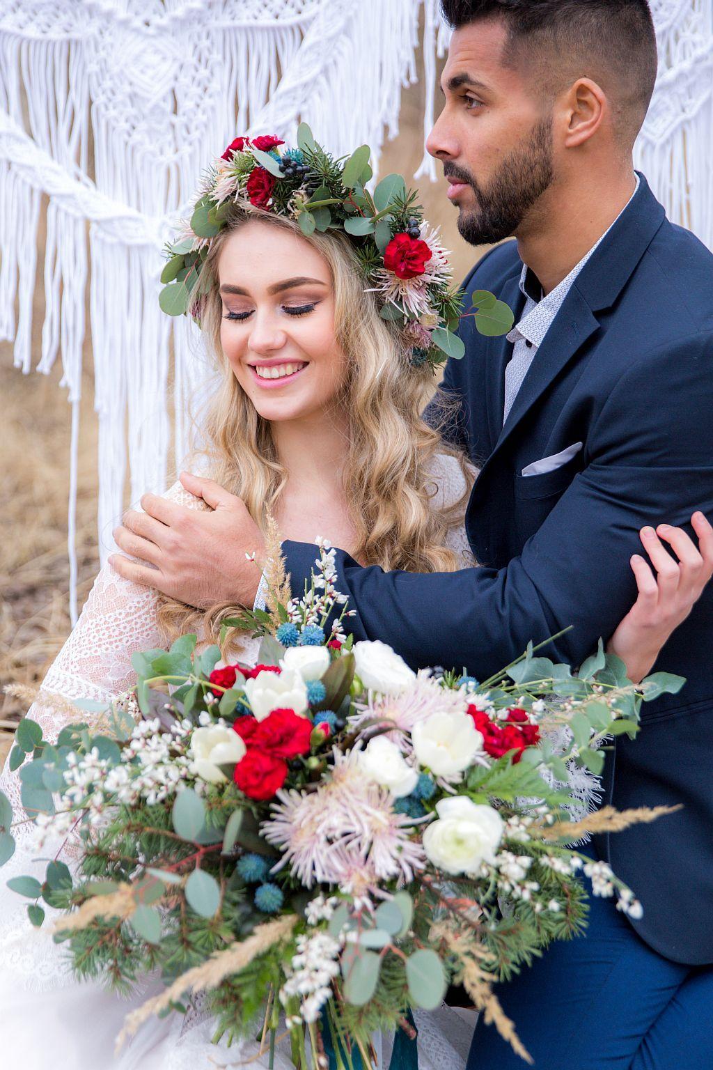 Svatební boho, ležérní, střapatá - Květiny z Rozkvetlé dílny. Foto: Simona Velkoborská Photography