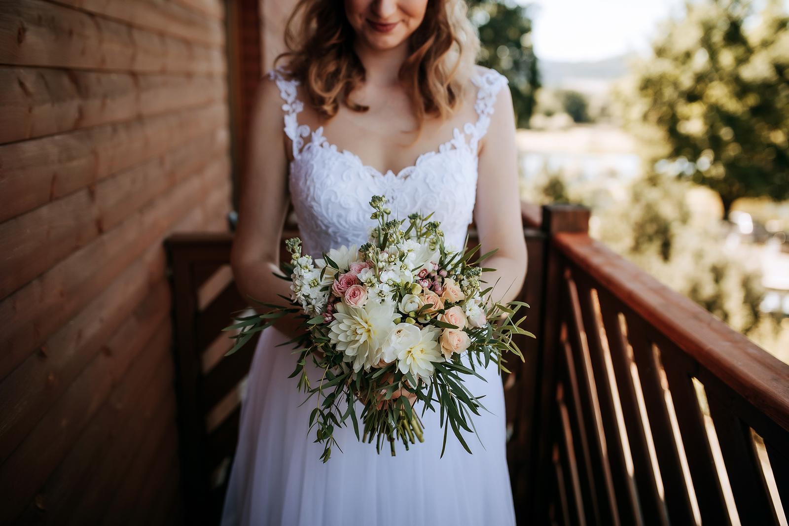 Srpnová pastelová svatba - Obrázek č. 2