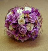 Kytice umělá - hortenzie a růže,