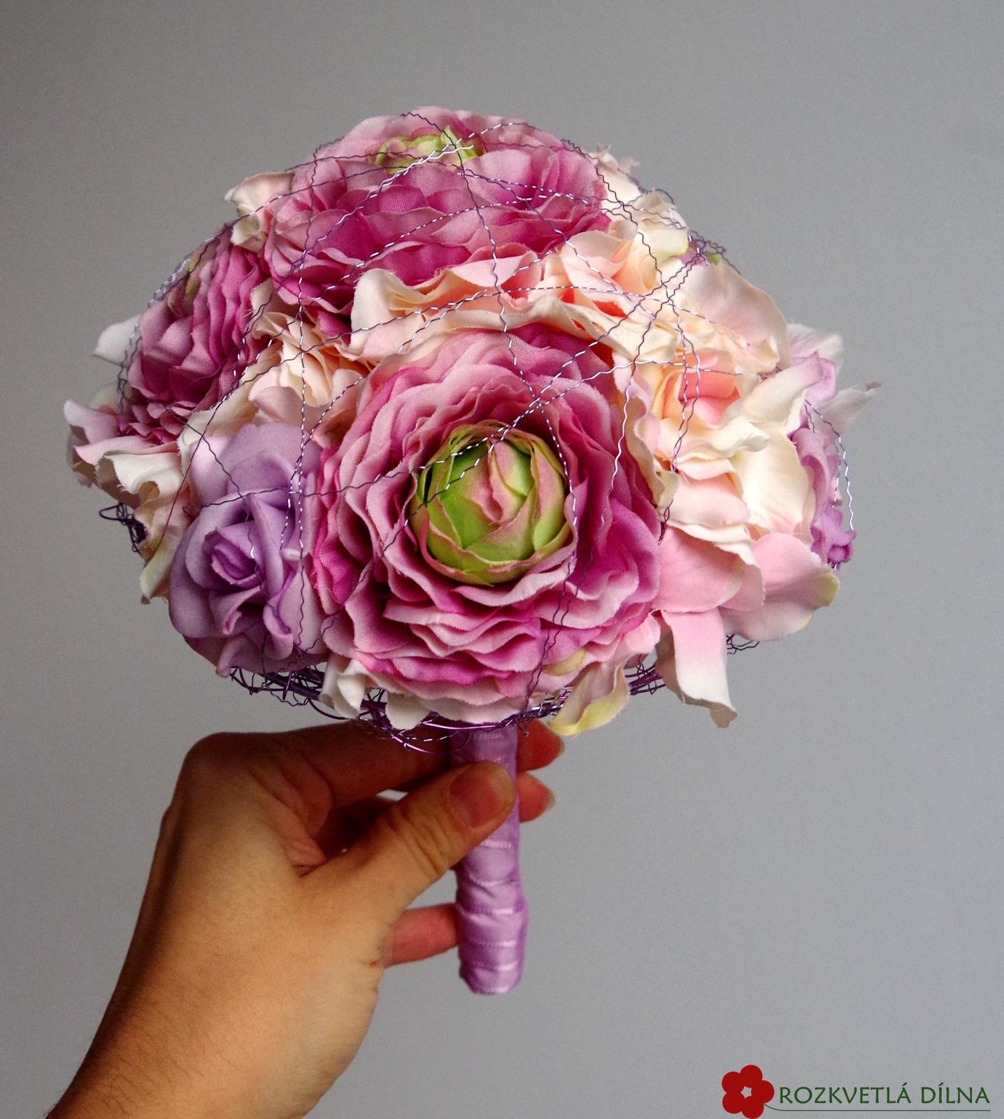 Pryskyřník a hortenzie - umělá kytice - Obrázek č. 1