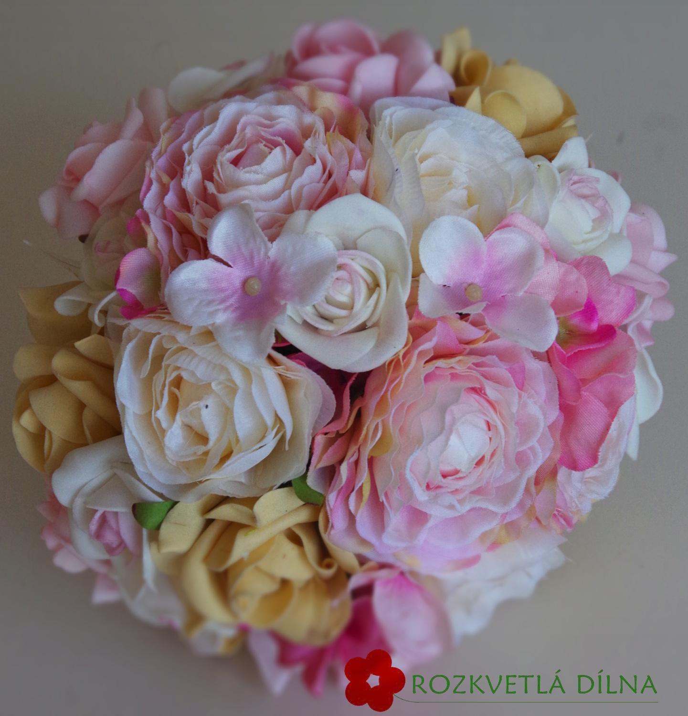 Pryskyřníky, růže - umělá kytice - Obrázek č. 3