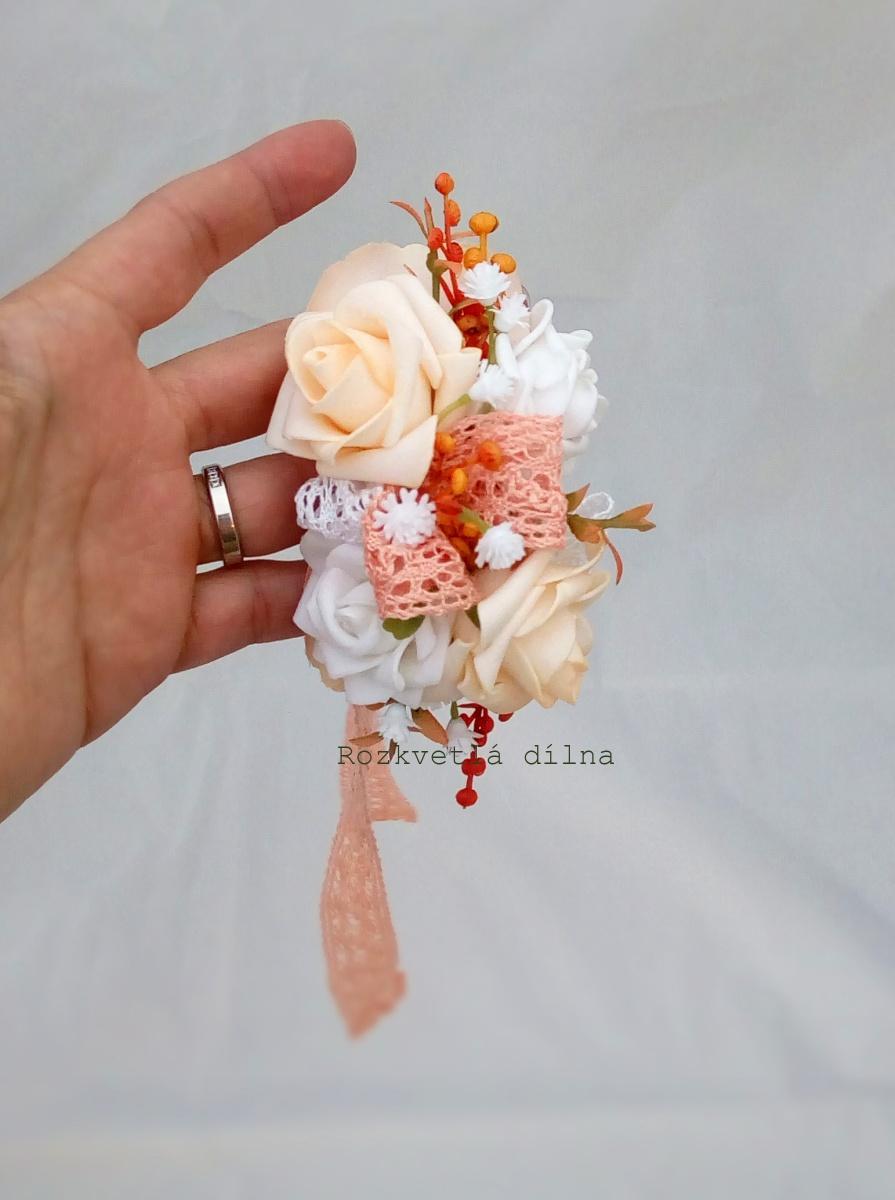 Květinový náramek - lososová stuha - Obrázek č. 1