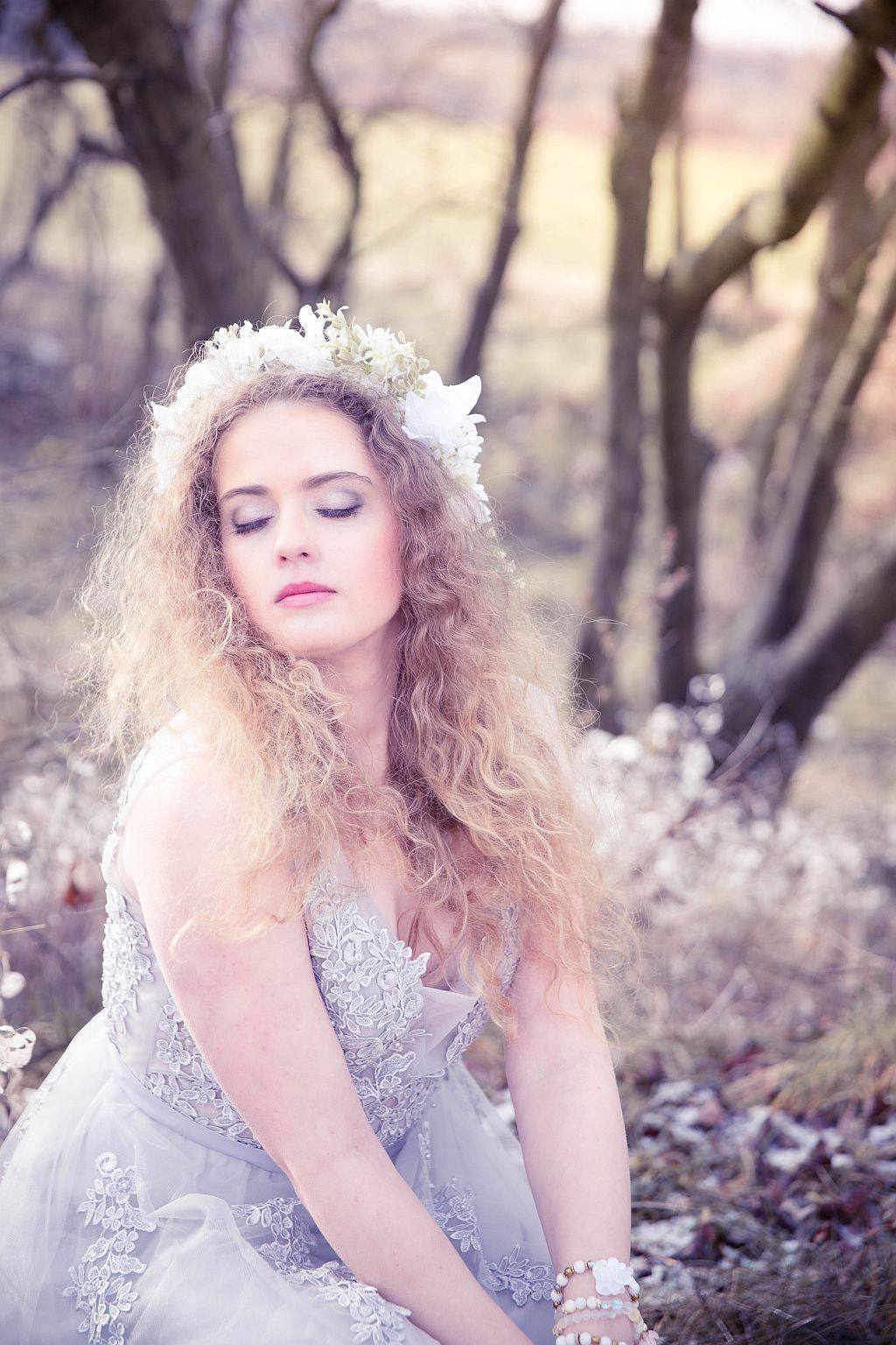Věneček bílé květy - Obrázek č. 1