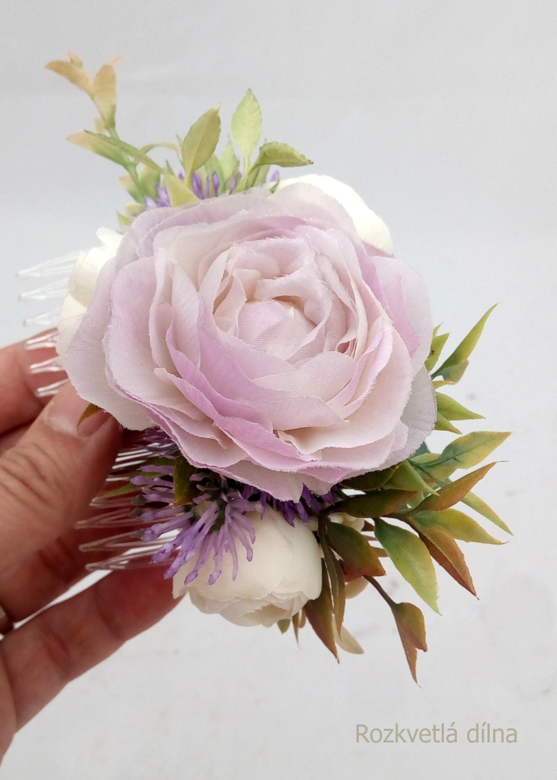 Květinový hřebínek - do fialova - Obrázek č. 1