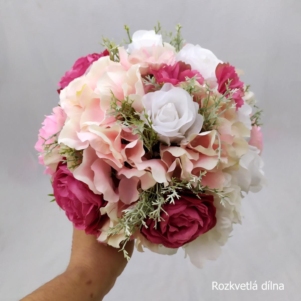 Romantická v růžové, umělá kytice - Obrázek č. 1