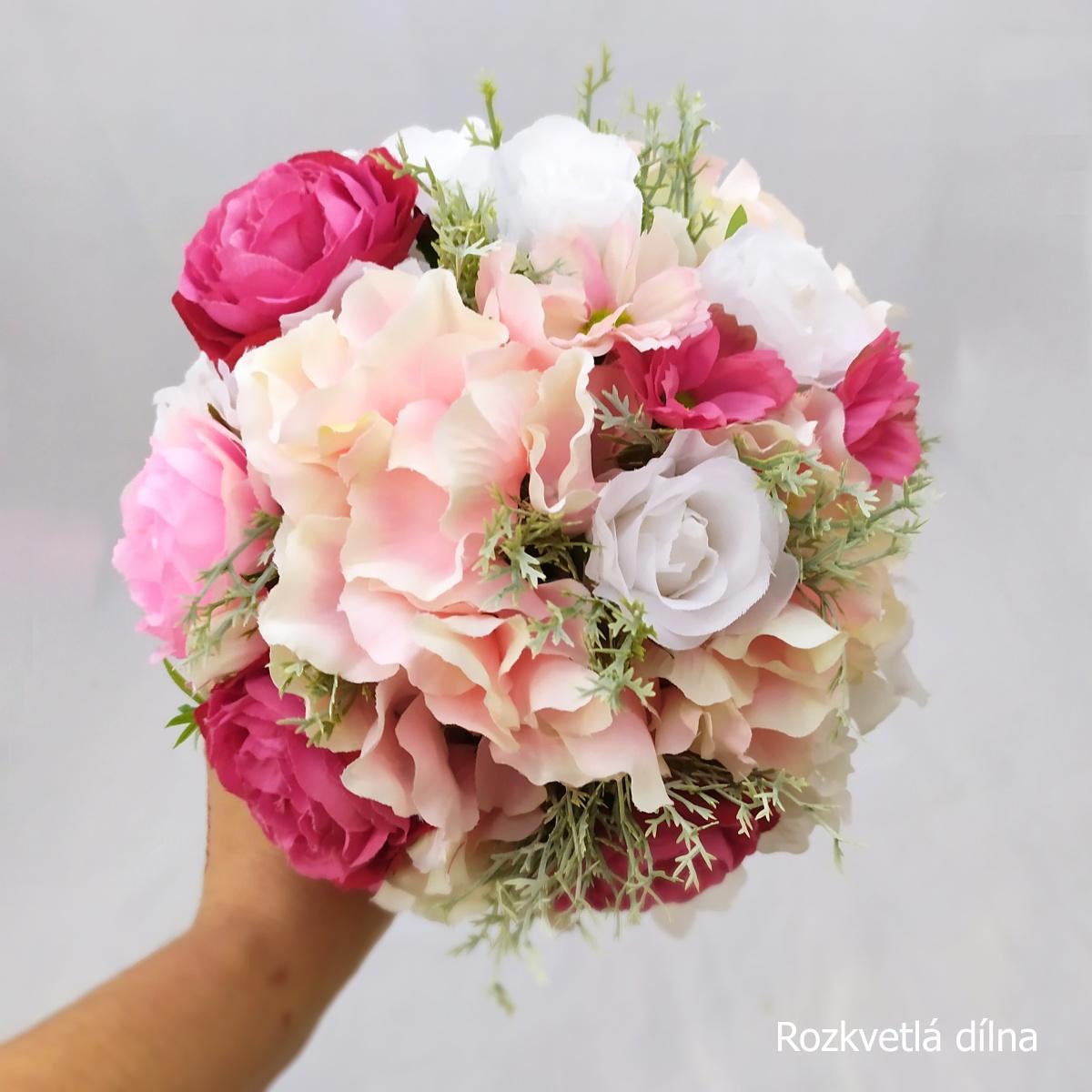 Romantická v růžové, umělá kytice - Obrázek č. 2