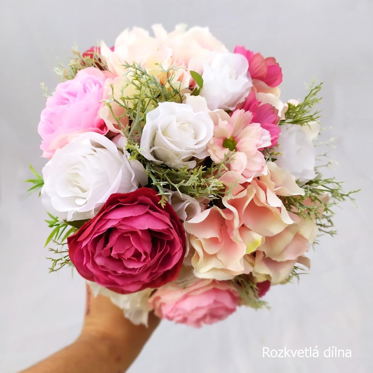 Romantická v růžové, umělá kytice - Obrázek č. 3