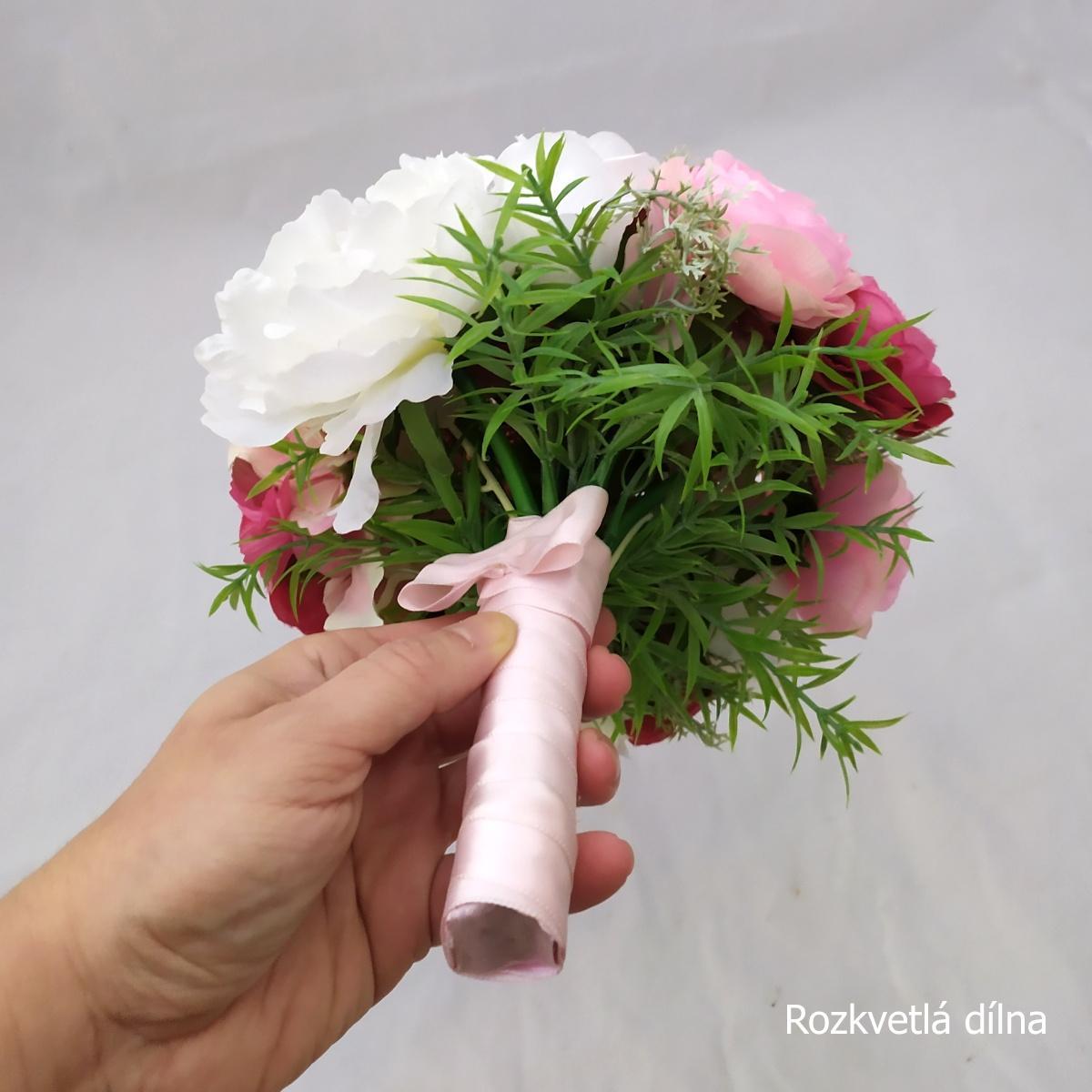 Romantická v růžové, umělá kytice - Obrázek č. 4