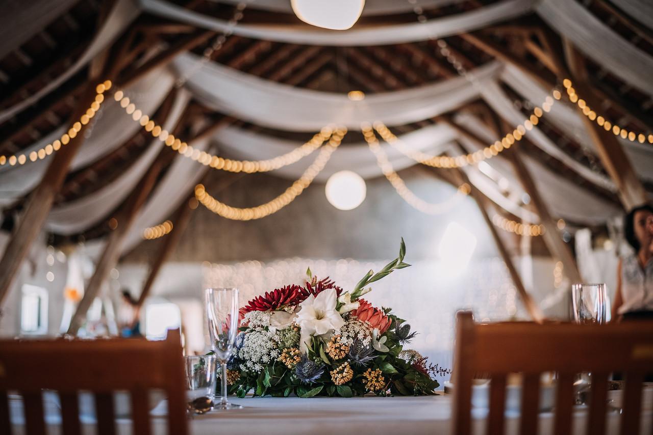 Srpnová svatba vonící červeným vínem
