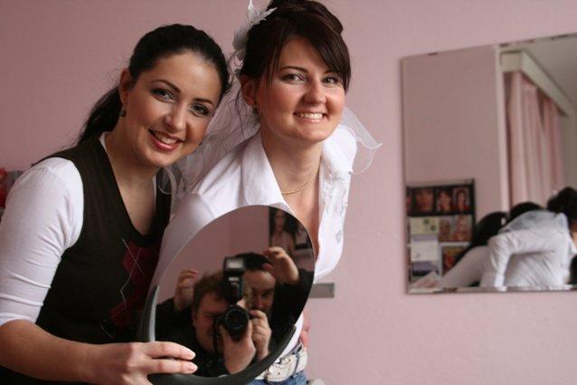Evka{{_AND_}}Majko - ja, vizazistka Martinka a v zrkadle kameramani :-)))