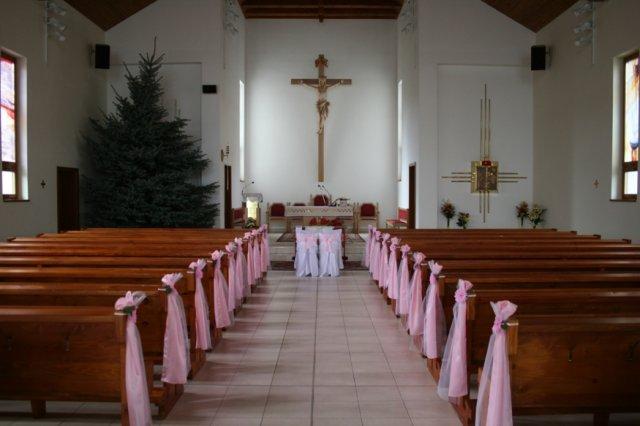 Evka{{_AND_}}Majko - vyzdoba kostola