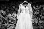Svadobné šaty s dlhými rukávmi, 38