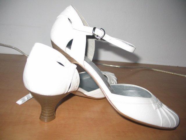 Tánička a Janko - moje svadobné topánky