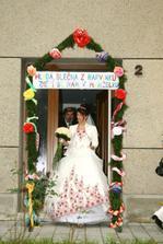 nevěsta se svojí bránou