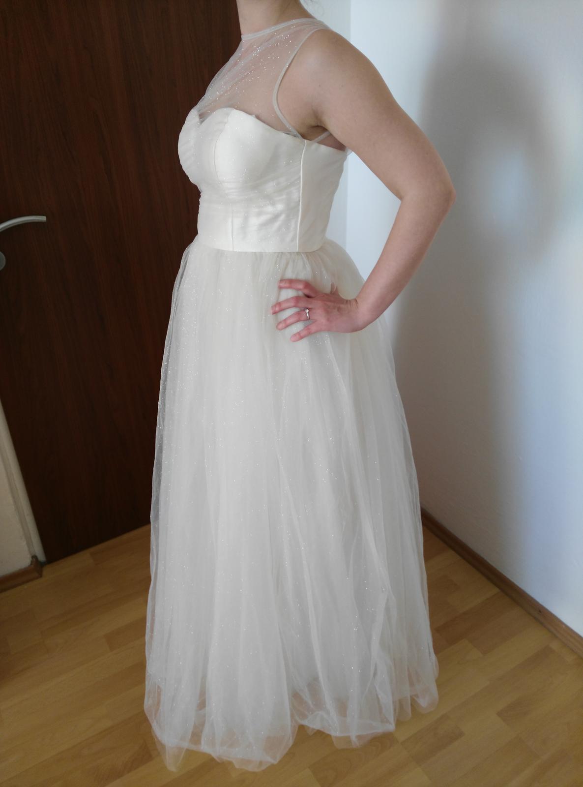 Trblietavé svadobné šaty- chi chi london - Obrázok č. 4