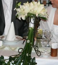 držák na kytku, ženichova kravata