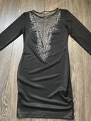 Kamienkové šaty, 40