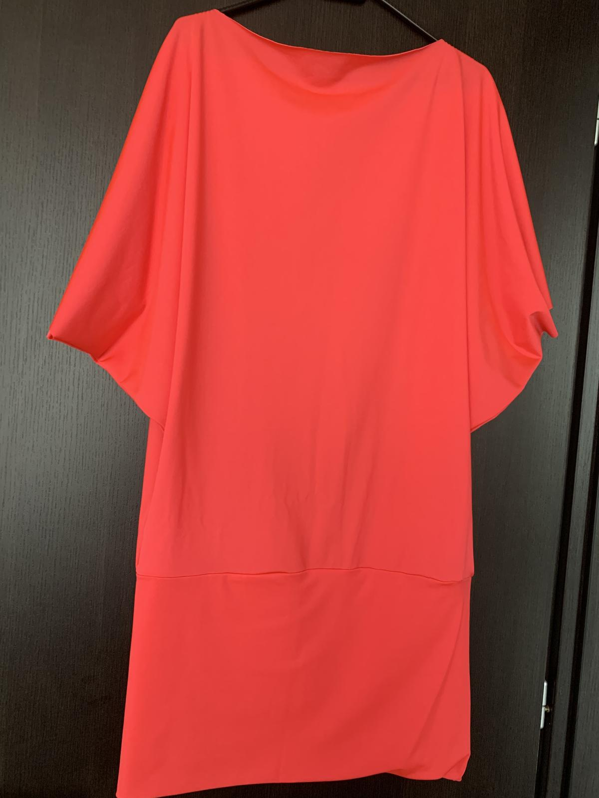 Sametové šaty - Obrázok č. 1