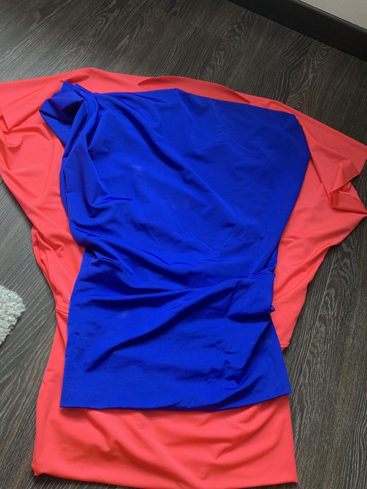 Sametové šaty - Obrázok č. 3