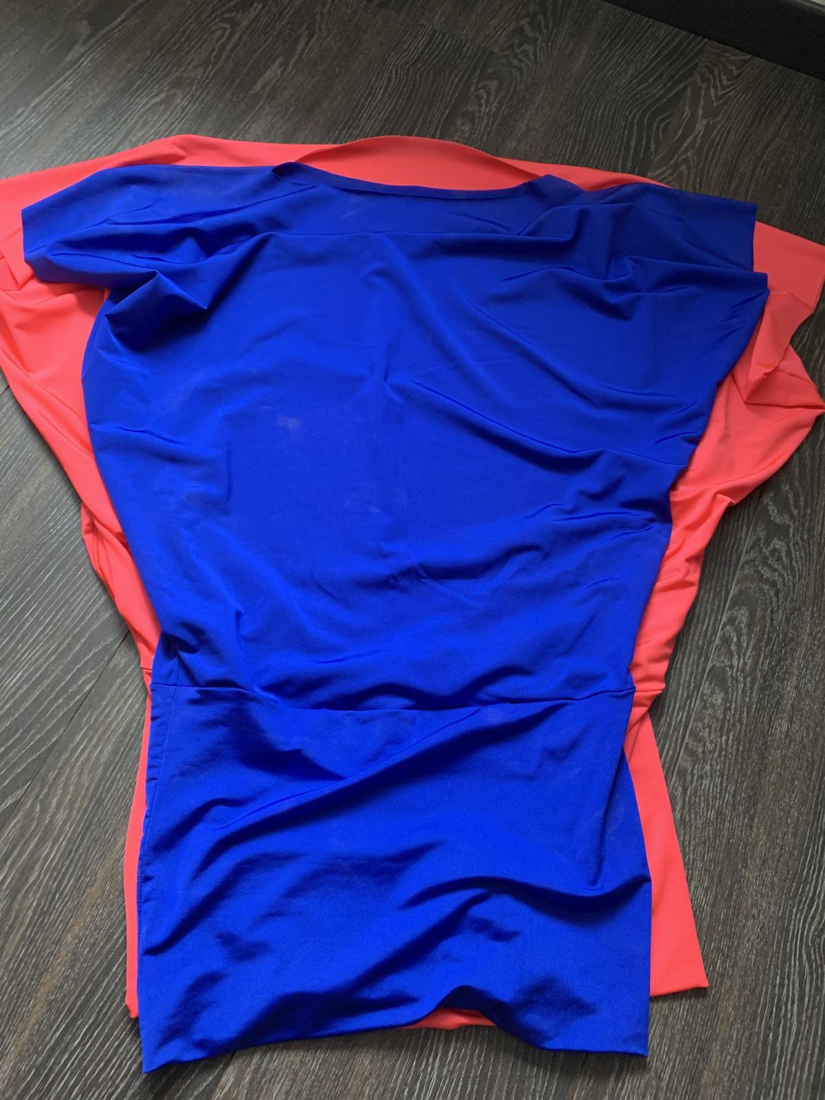 Sametové šaty - Obrázok č. 4