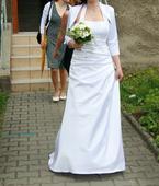 svatební šaty s jemným krajkovým živůtkem, 38