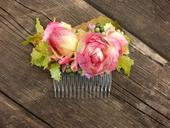 růžolící hřebínek do vlasů,