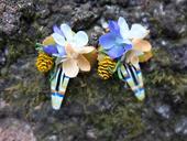 něžné květinové sponečky s šiškou,