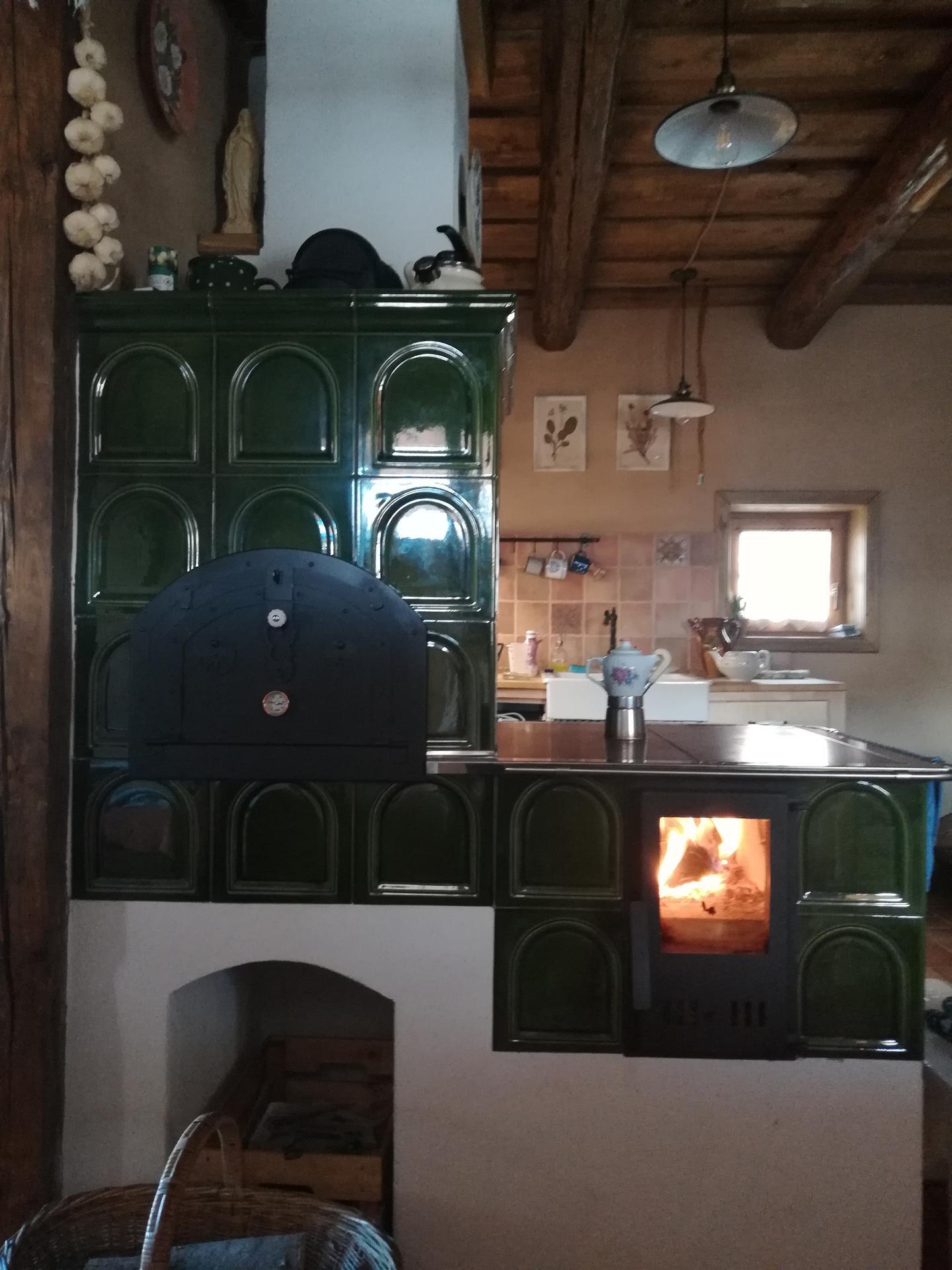 #som doma - Chlebík sa pečie, kávička sa varí....