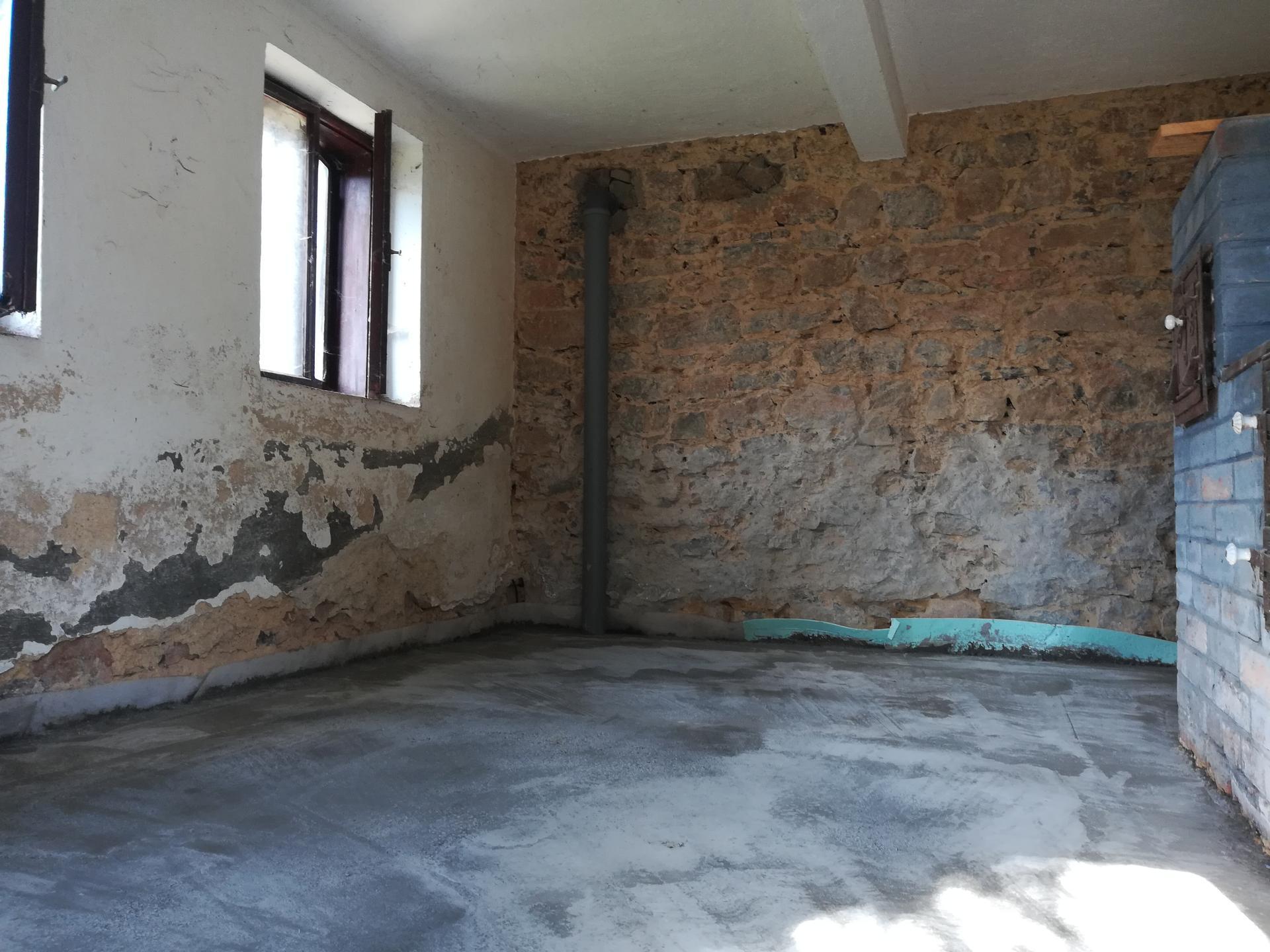 Letná kuchyňa. Inšpirácie vs. realita - Kamenná stena zostane priznaná.