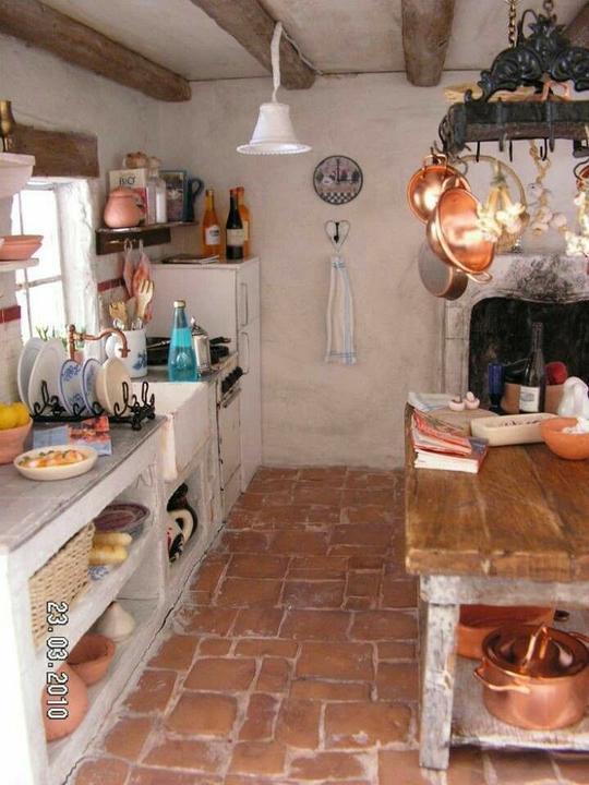 Letná kuchyňa. Inšpirácie vs. realita - Inšpirácia: som zaľúbená do tejto podlahy :-)