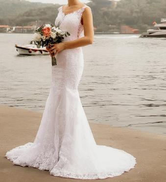 Krajkové svatební šaty - Obrázek č. 2