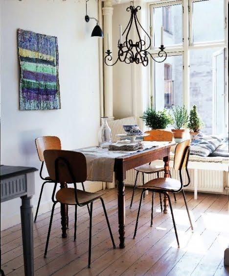 Kuchyně a jídelna - inspirace - Ale starožitný stůl taky není k zahození...