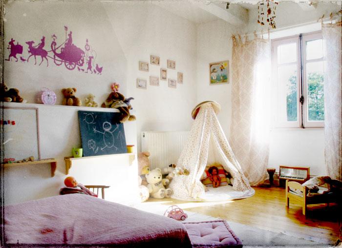 Dětský pokoj... - a ještě jeden pro indiánky :)