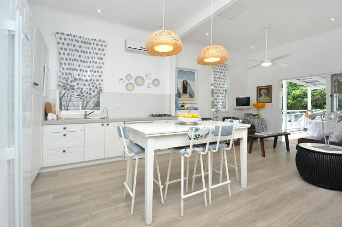 Kuchyně a jídelna - inspirace - podobnou budeme mít podlahu... už tento týden! jupí!