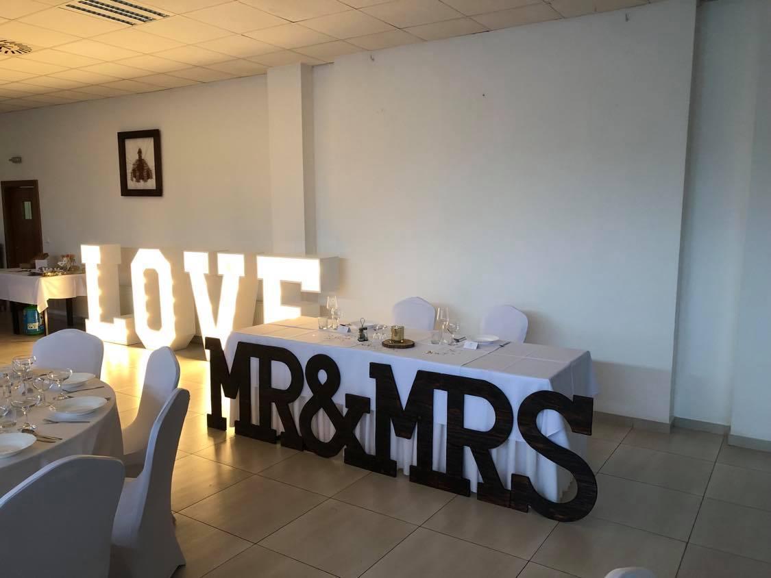 Dekorácia MR & MRS - Obrázok č. 1
