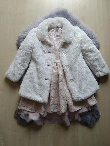 Brokátové šaty + kožíšek - Obrázek č. 1