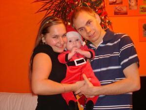 a tohle jsme my Nevěsta,Ženich a náš družák:-)