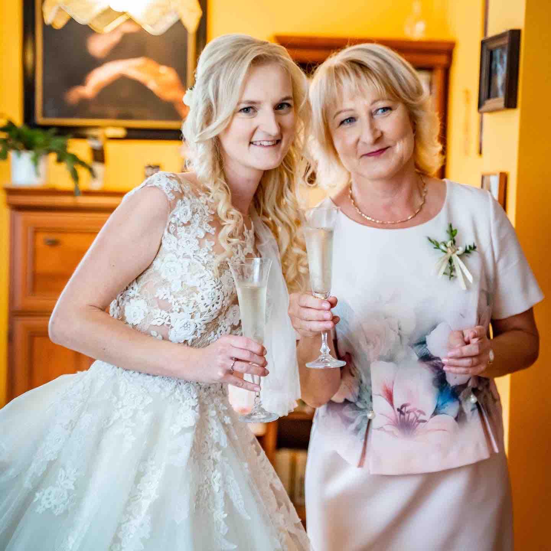 Alžběta                    a                    Štěpán - S maminkou 😇