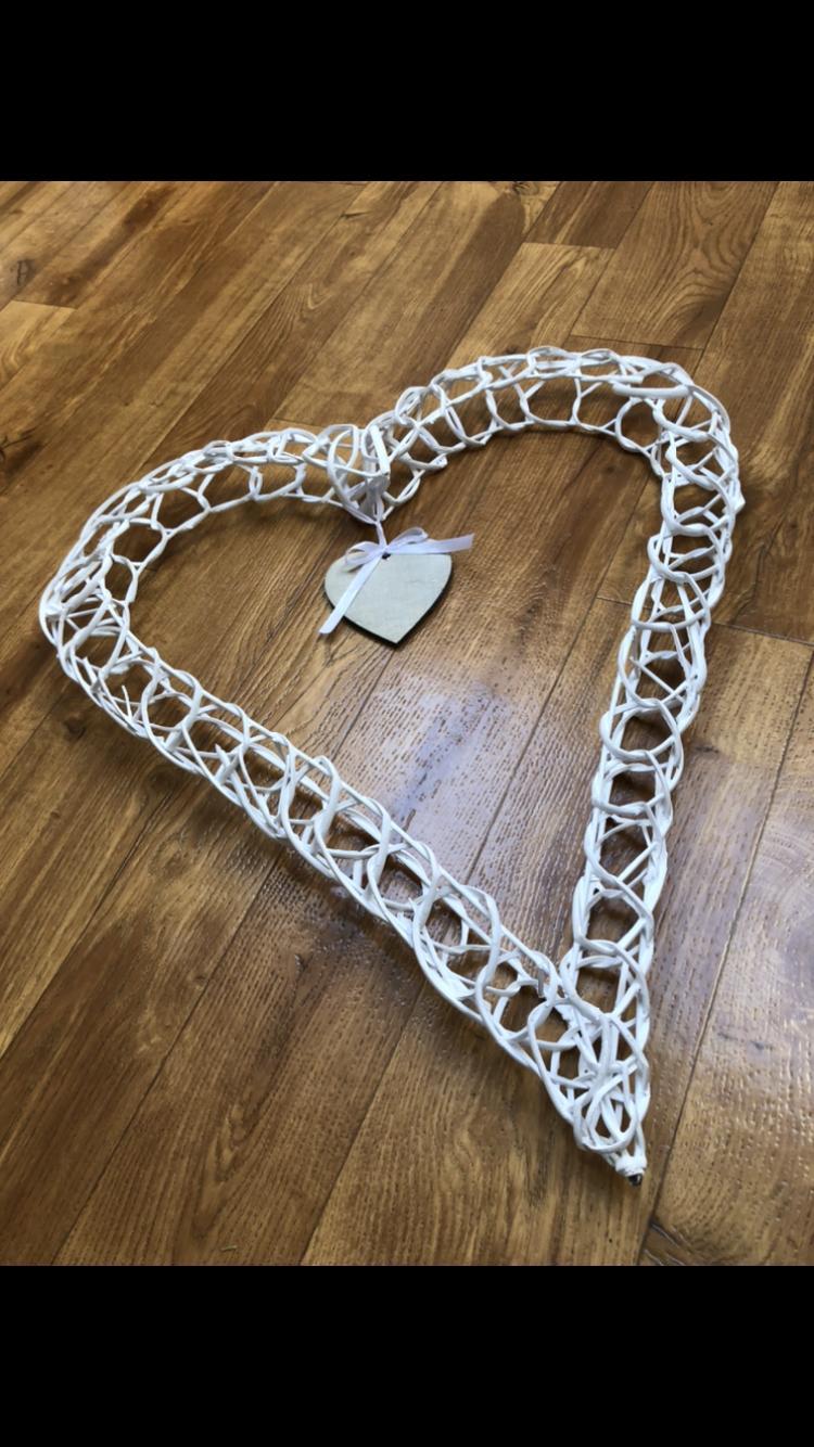 Bílé proutěné srdce - Obrázek č. 1