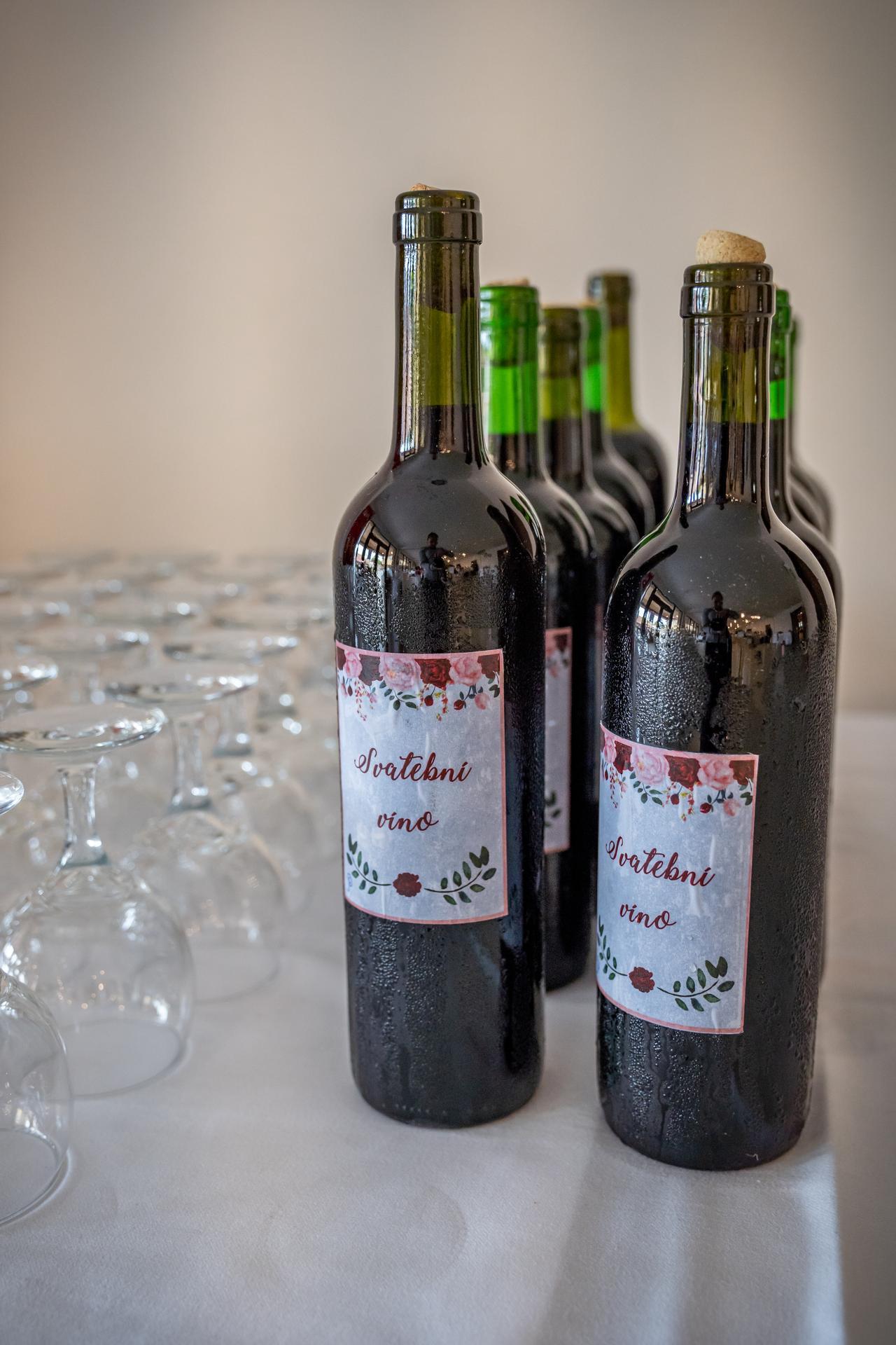 Alžběta                    a                    Štěpán - Víno domácí z Vracova