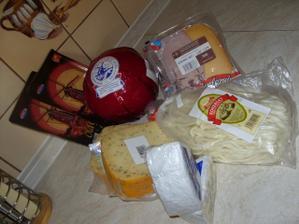 sýry na obložený talíř,koupené přímo v Holandsku...jsou moc mňamm:))