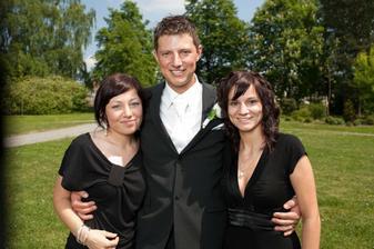 Manžel s Peťulkou a Adriankou..