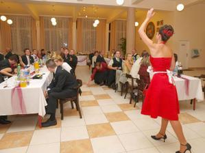 redovy tanec:D...rozhadzujem dukatiky